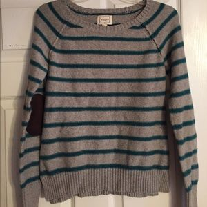 Cozy gray and blue Sweater!